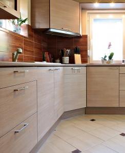 Praktikus minimál konyhabútor Szentendrén